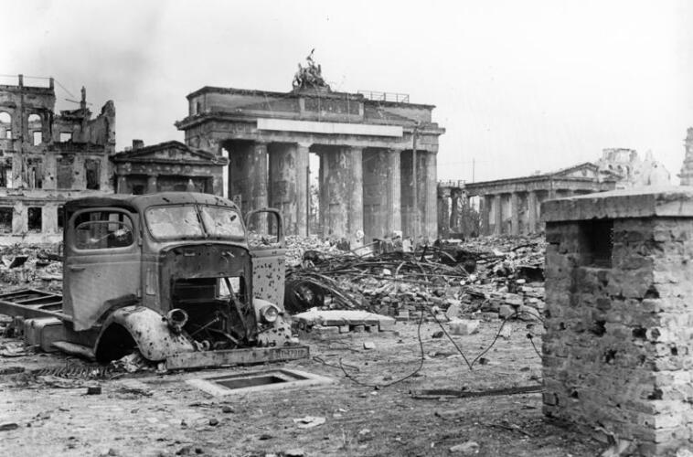 The Brandenburg Gate amid the ruins of Berlin - Battle of Berlin